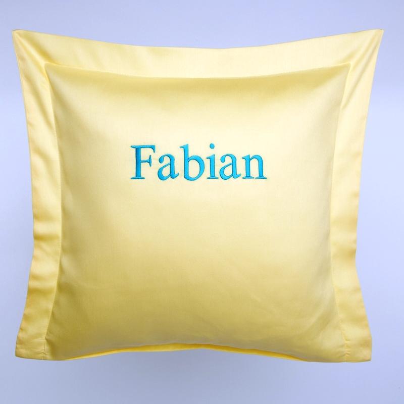 privatkunden stickerei kissen fabian gelb. Black Bedroom Furniture Sets. Home Design Ideas
